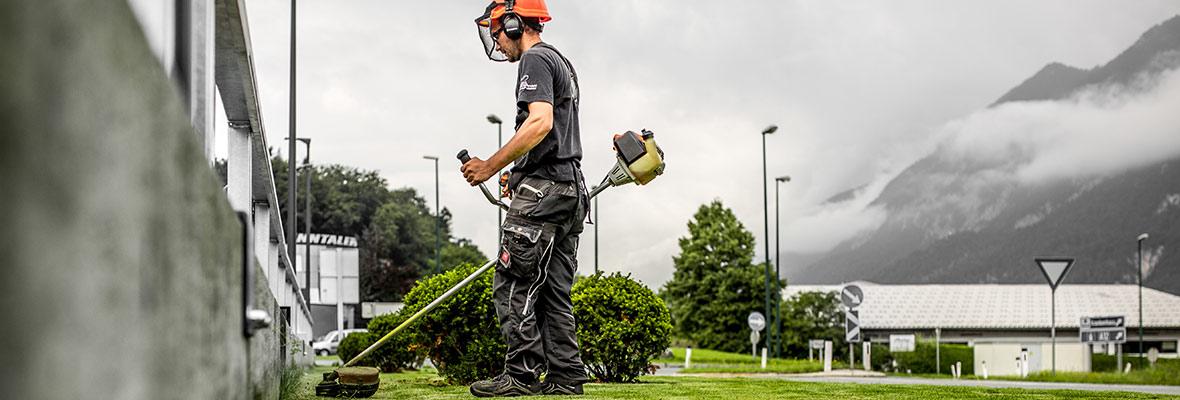 Grünanlagenpflege von HMK Kufstein